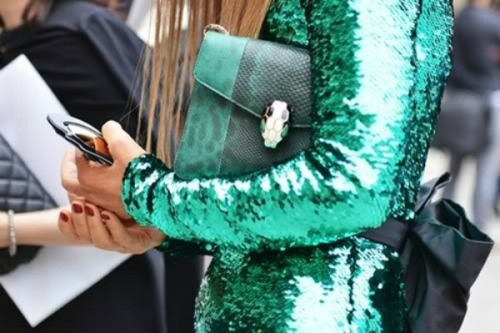 emerald pantone 02 600X400